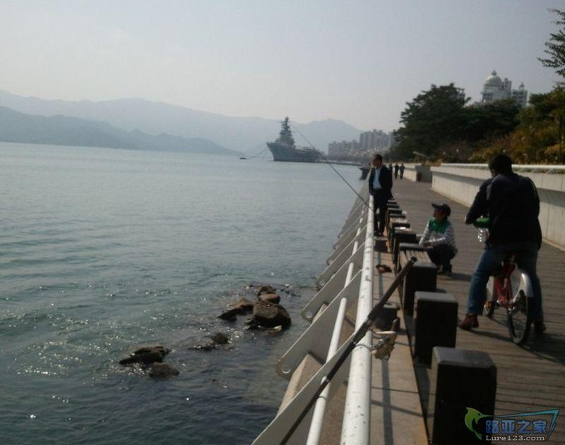 后面是深圳的十景之一