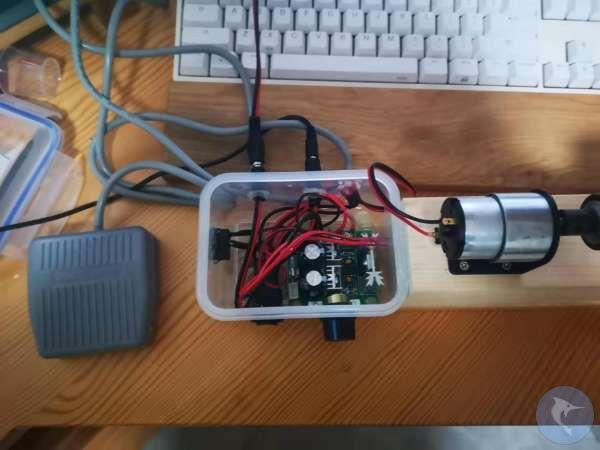 DIY了一个打胶机,转速可调,正反可调,可接脚踏开关